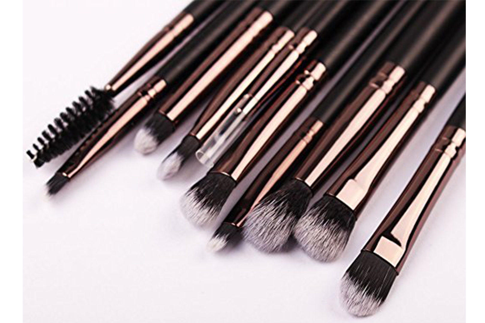 Amazon Customers Are Obsessed With This $11 Eyeshadow Brush Set – And Here's Why