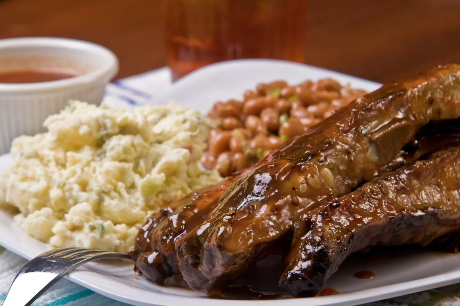 This Atlanta Eatery Has Been Cooking Up Delicious Soul Food Since 1947