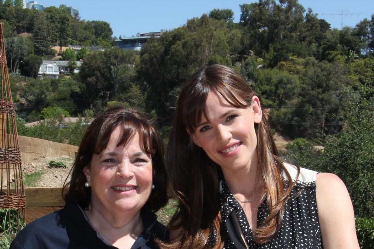 Jennifer Garner Whips Up Her 'Favorite' Granola Bars—and Gets a Sweet Birthday Message from Ina Garten