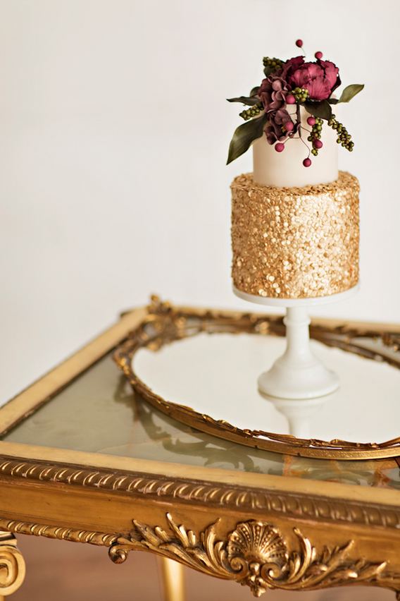 Petite But Bold, Glimmering Gold Fall Cake