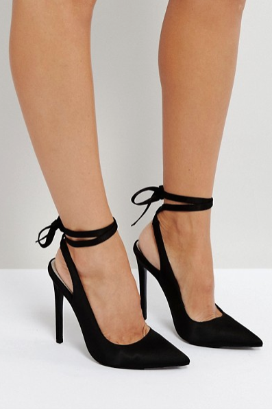 Pointed Toe Tie-Up Heels