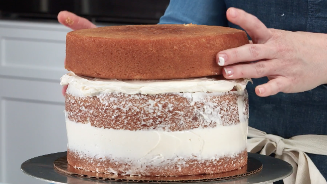 How To Stop Cakes From Baking Uneven