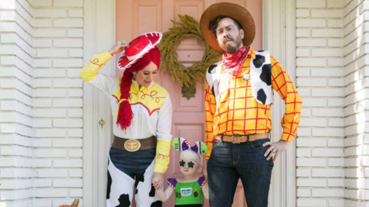 16 Family Halloween Costumes Guaranteed to Win the Costume Contest