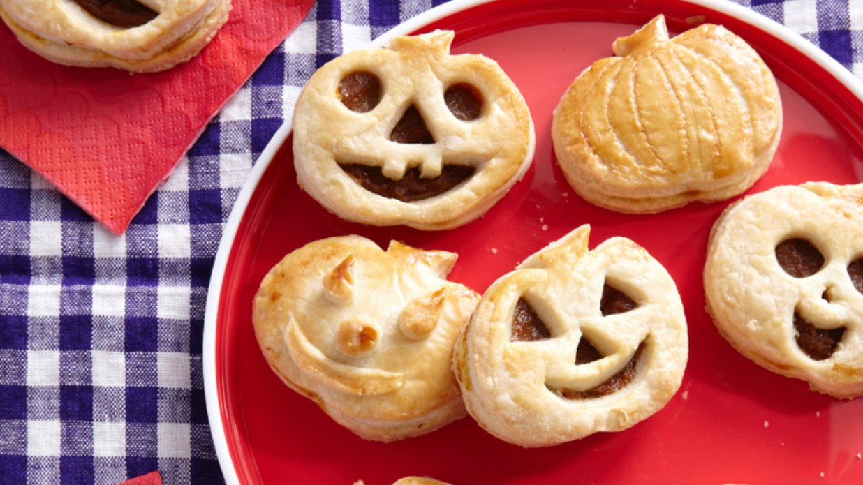 23 Halloween Breakfast Ideas That Are Hauntingly Delicious